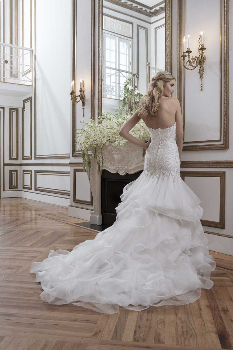 Lace Wedding Dresses Newcastle : Designer weekend extended dates mia sposa bridal boutique