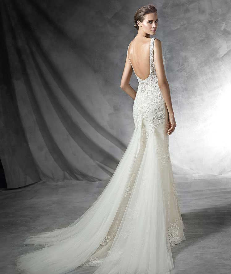 Pronovias 2016 preview collection wedding gowns are here for Average wedding dress cost 2016