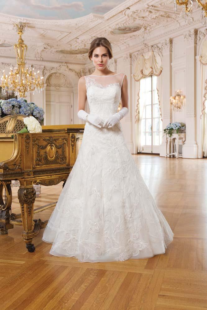 Lace Wedding Dresses Newcastle : Lillian west size mia sposa bridal boutique