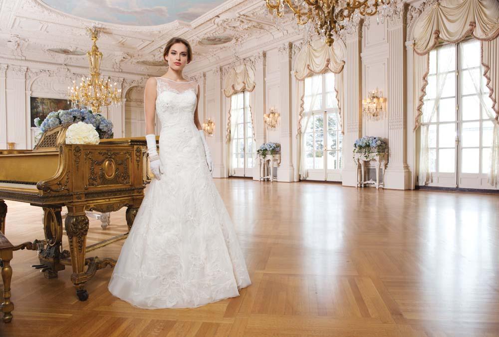 Lace Wedding Dresses Newcastle : Lillian west mia sposa bridal boutique  t