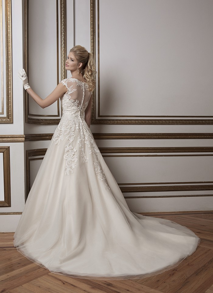Lace Wedding Dresses Newcastle : Be the first to review justin alexander size cancel