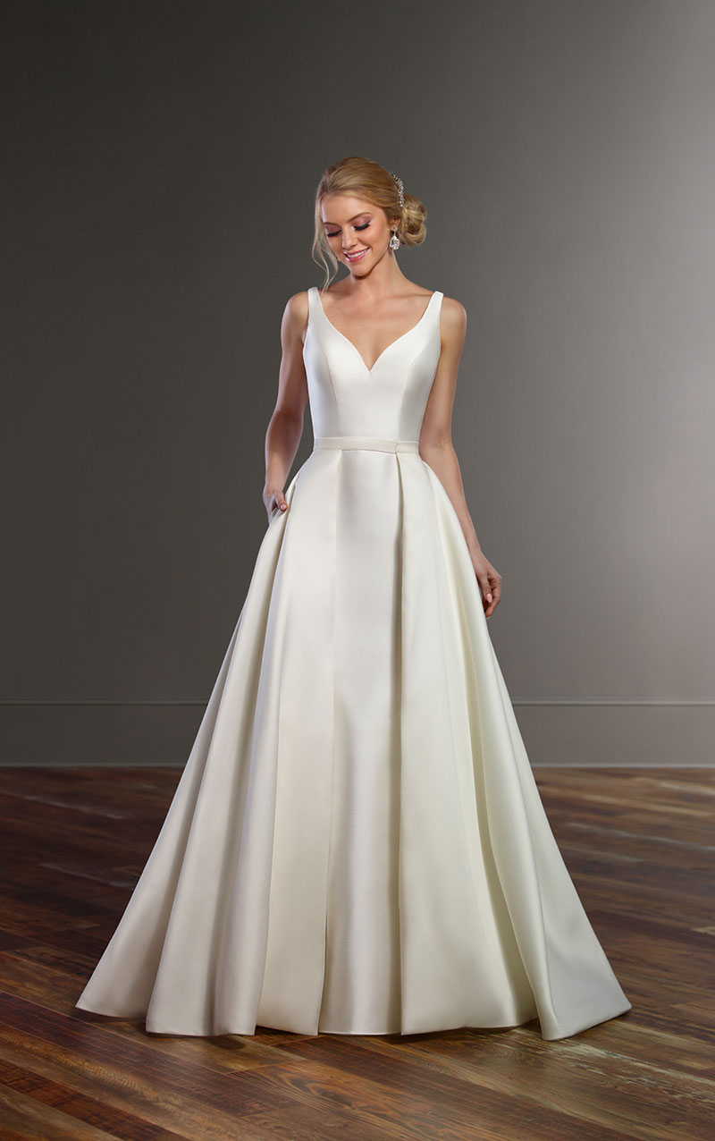 Martina liana 844 mia sposa bridal boutique newcastle for Plain wedding dresses with straps