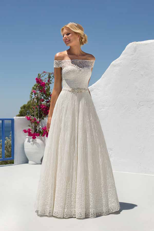 Mark lesley 7202 d mia sposa bridal boutique for Wedding dress no train